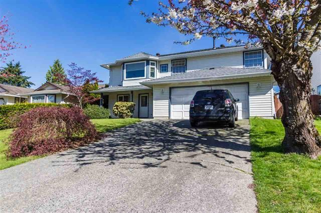 Main Photo: 21587 93B Avenue in Langley: Walnut Grove House for sale : MLS®# R2263182