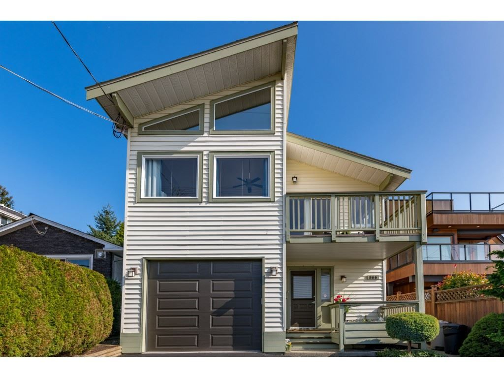 """Main Photo: 866 STEVENS Street: White Rock House for sale in """"west view"""" (South Surrey White Rock)  : MLS®# R2505074"""