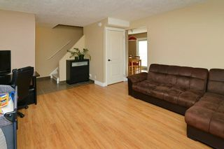 Photo 4: 139 CASTLEGLEN Road NE in Calgary: Castleridge House for sale : MLS®# C4170209