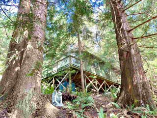 Photo 1: 303 GORDON Road: Keats Island House for sale (Sunshine Coast)  : MLS®# R2359616