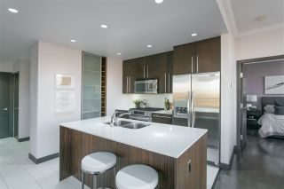 """Photo 4: 703 1088 W 14TH Avenue in Vancouver: Fairview VW Condo for sale in """"COCO"""" (Vancouver West)  : MLS®# R2244610"""