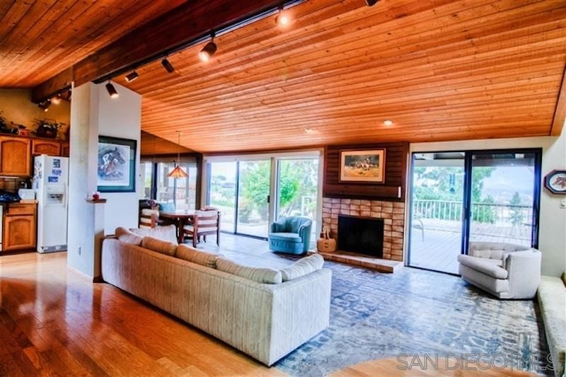 Main Photo: SAN DIEGO House for sale : 3 bedrooms : 2405 Mammoth Drive