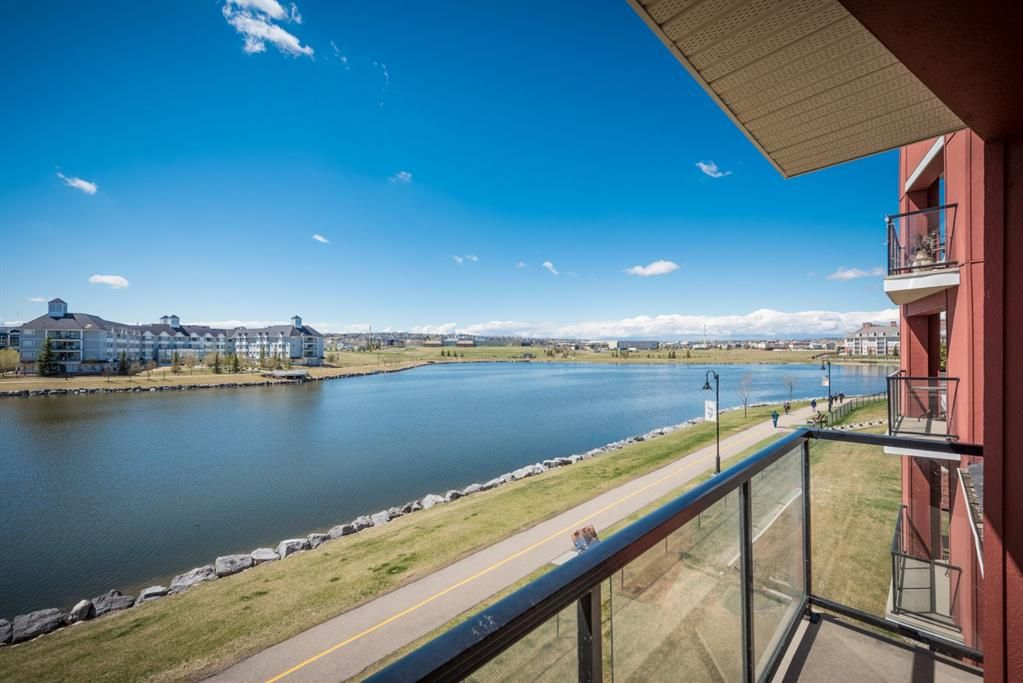 Main Photo: 210 156 Country Village Circle NE in Calgary: Country Hills Village Apartment for sale : MLS®# A1135703