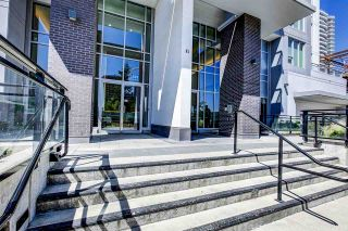 "Photo 4: 2005 13325 102A Avenue in Surrey: Whalley Condo for sale in ""ULTRA"" (North Surrey)  : MLS®# R2211490"