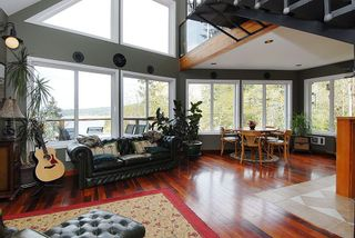 Photo 3: 7441 Mark in Victoria: CS Willis Point House for sale (Central Saanich)