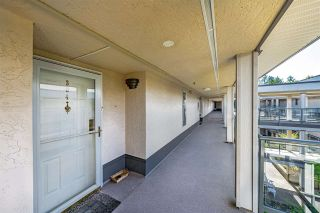"""Photo 6: 304 15255 18 Avenue in Surrey: King George Corridor Condo for sale in """"The Courtyards"""" (South Surrey White Rock)  : MLS®# R2574709"""