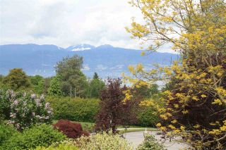 Photo 1: 2517 WALLACE Crescent in Vancouver: Point Grey House for sale (Vancouver West)  : MLS®# R2167942