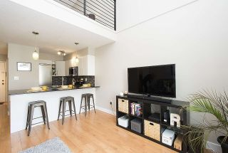"""Photo 4: 304 620 BLACKFORD Street in New Westminster: Uptown NW Condo for sale in """"DEERWOOD COURT"""" : MLS®# R2246699"""