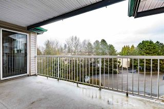 """Photo 10: 402 2963 NELSON Place in Abbotsford: Central Abbotsford Condo for sale in """"BRAMBLEWOODS"""" : MLS®# R2424654"""