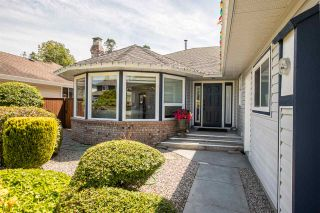 Photo 2: 16142 8A Avenue in Surrey: King George Corridor House for sale (South Surrey White Rock)  : MLS®# R2460373