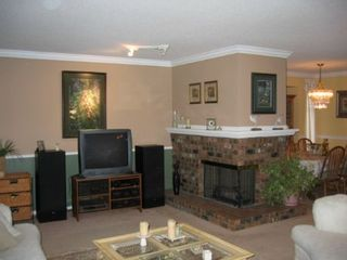 Photo 3: 15825 97A Avenue: House for sale (Guildford)