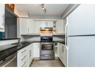"""Photo 4: 208 737 HAMILTON Street in New Westminster: Uptown NW Condo for sale in """"THE COURTYARD"""" : MLS®# R2060050"""