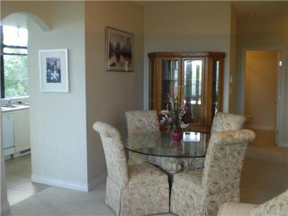 """Photo 3: 407 588 W 45TH Avenue in Vancouver: Oakridge VW Condo for sale in """"THE HEMMINGWAY"""" (Vancouver West)  : MLS®# V970203"""