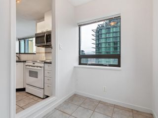 """Photo 10: 2102 1331 ALBERNI Street in Vancouver: West End VW Condo for sale in """"The Lions"""" (Vancouver West)  : MLS®# R2517604"""