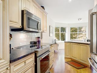 Photo 15: 213 165 Kimta Rd in : VW Songhees Condo for sale (Victoria West)  : MLS®# 859651
