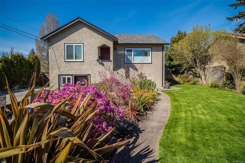 FEATURED LISTING: 1000 Tattersall Dr Saanich