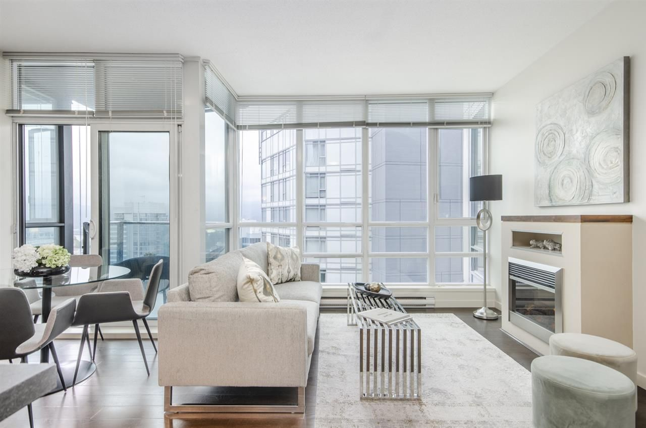"""Main Photo: 3102 1189 MELVILLE Street in Vancouver: Coal Harbour Condo for sale in """"THE MELVILLE"""" (Vancouver West)  : MLS®# R2457836"""