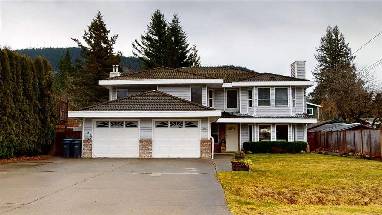 Main Photo: 41870 BIRKEN Road in Squamish: Brackendale 1/2 Duplex for sale : MLS®# R2547120
