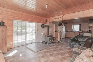 Photo 3: 30 WOODLAND Drive in Sundown: R17 Residential for sale : MLS®# 202108956