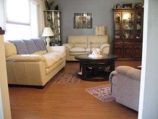 Photo 3: 252 LYSANDER Place SE in CALGARY: Lynnwood Riverglen Residential Detached Single Family for sale (Calgary)  : MLS®# C3530433