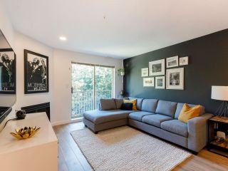 "Photo 3: 317 1820 W 3RD Avenue in Vancouver: Kitsilano Condo for sale in ""The Monterey"" (Vancouver West)  : MLS®# R2606478"