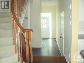 Photo 2: 301 WAYMARK CRESCENT in Ottawa: House for rent : MLS®# 1259127