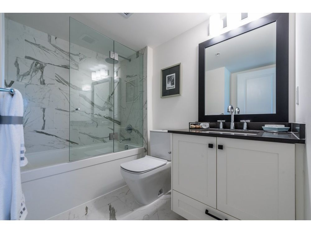Main Photo: 358 62ND AVENUE in Vancouver West: Home for sale : MLS®# R2165333