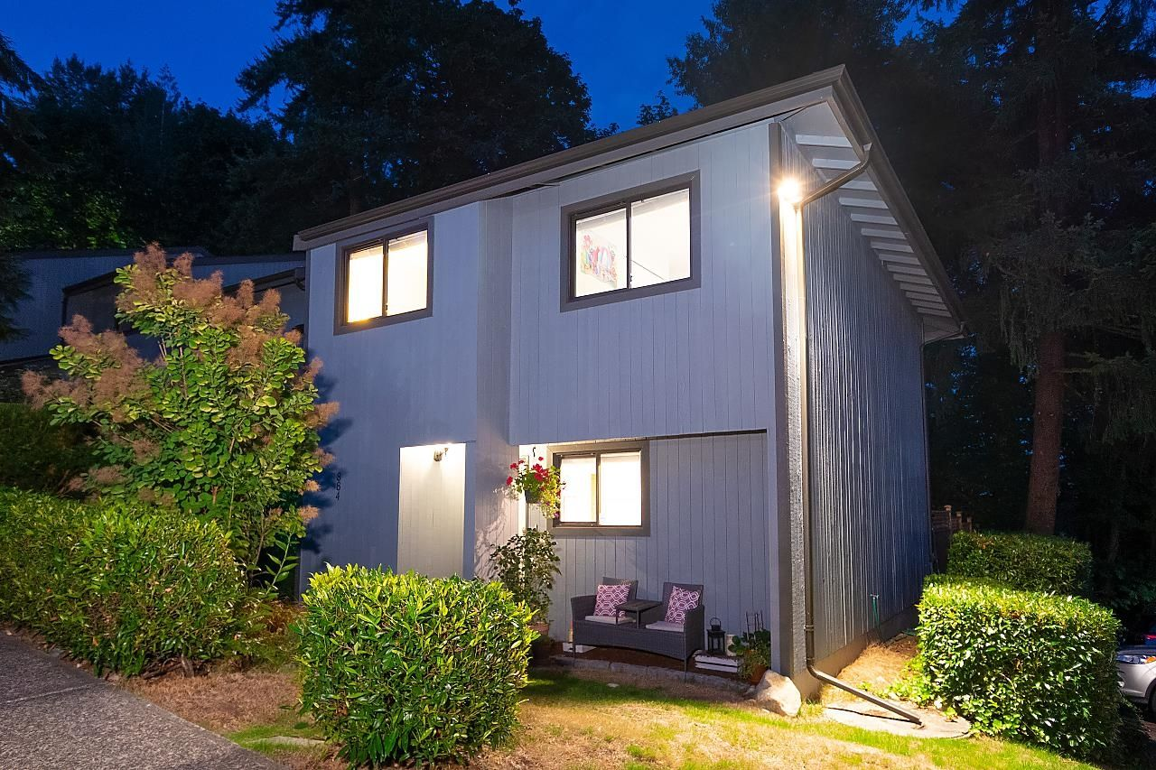"""Main Photo: 884 CUNNINGHAM Lane in Port Moody: North Shore Pt Moody Townhouse for sale in """"WOODSIDE VILLAGE"""" : MLS®# R2617307"""