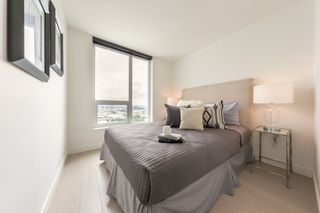 """Photo 8: 2609 455 SW MARINE Drive in Vancouver: Marpole Condo for sale in """"W1-WEST TOWER"""" (Vancouver West)  : MLS®# R2388321"""