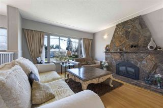 """Photo 5: 919 DUNDONALD Drive in Port Moody: Glenayre House for sale in """"Glenayre"""" : MLS®# R2353817"""