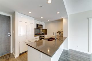 """Photo 6: 702 3096 WINDSOR Gate in Coquitlam: New Horizons Condo for sale in """"Mantyla by Polygon"""" : MLS®# R2492925"""