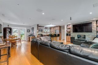 Photo 3: 14124 CRESCENT Road in Surrey: Elgin Chantrell House for sale (South Surrey White Rock)  : MLS®# R2552873