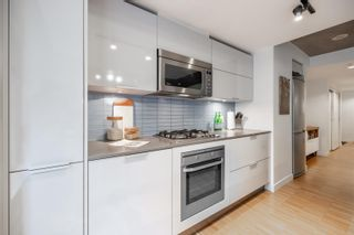 """Photo 10: 305 128 W CORDOVA Street in Vancouver: Downtown VW Condo for sale in """"WODWARDS"""" (Vancouver West)  : MLS®# R2624659"""