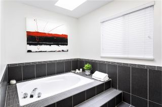 Photo 14: 674 LOST LAKE Drive in Coquitlam: Coquitlam East House for sale : MLS®# R2492539