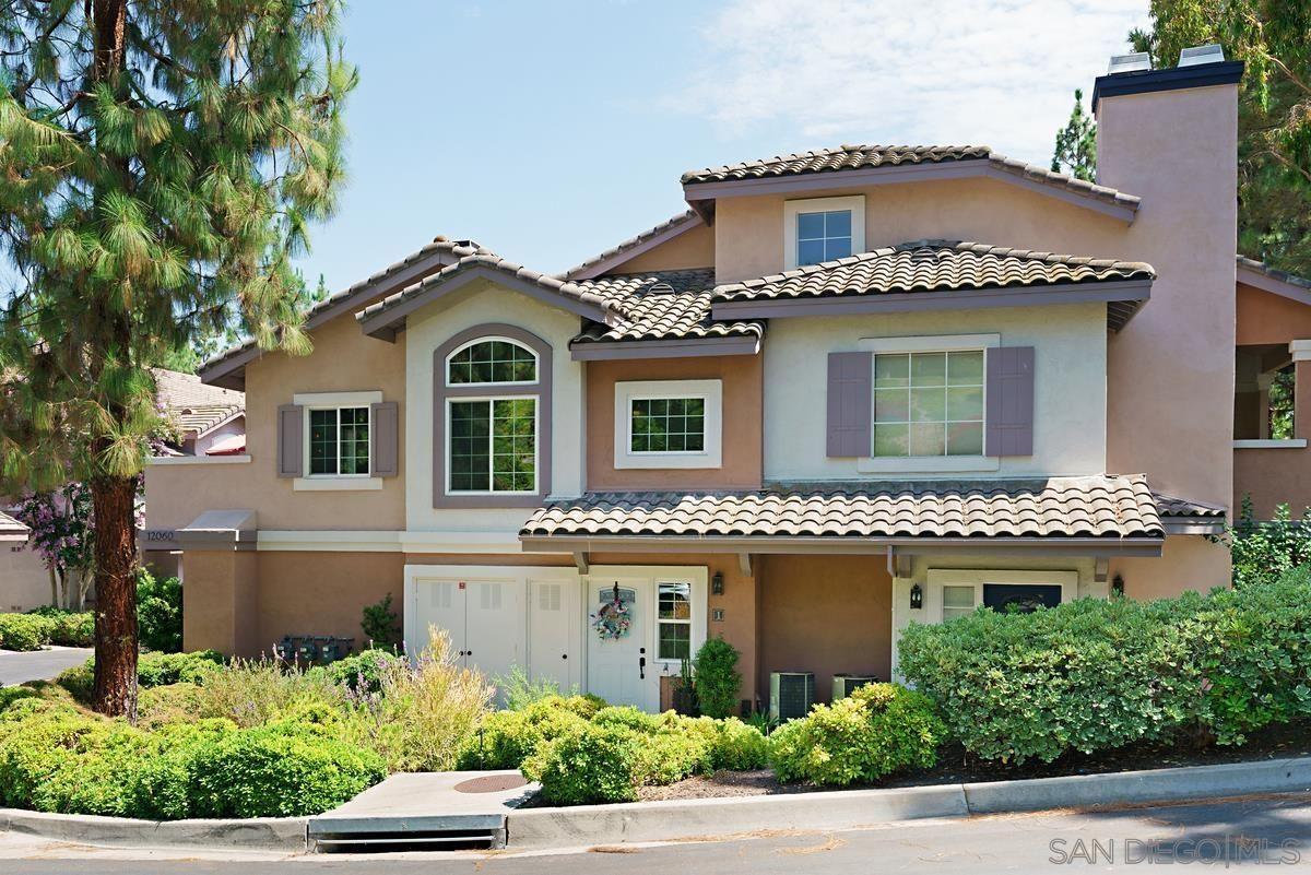 Main Photo: CARMEL MOUNTAIN RANCH Townhouse for sale : 2 bedrooms : 12060 Tivoli Park Row #1 in San Diego