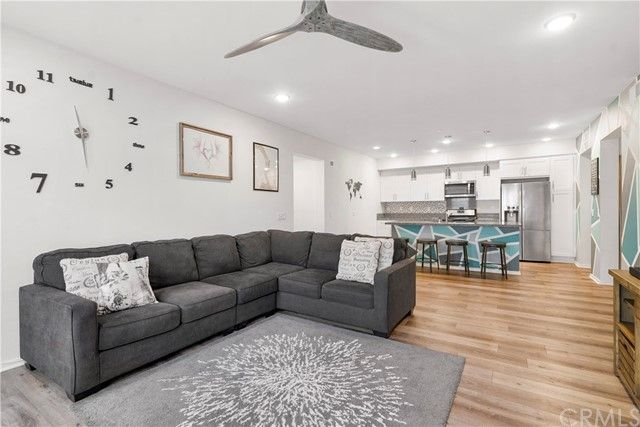 Main Photo: SOUTH SD Condo for sale : 2 bedrooms : 5200 Beachside Lane #115 in San Diego