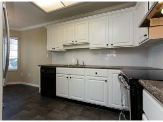 "Photo 5: 302 1500 MERKLIN Street: White Rock Condo for sale in ""Cimarron"" (South Surrey White Rock)  : MLS®# F1429008"