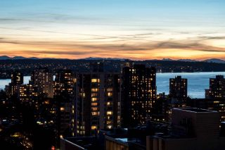Photo 2: 2401 1415 W GEORGIA STREET in Vancouver: Coal Harbour Condo for sale (Vancouver West)  : MLS®# R2034954