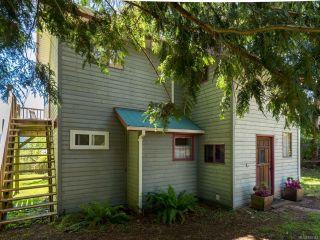 Photo 1: 1304 Midden Rd in COMOX: CV Comox Peninsula House for sale (Comox Valley)  : MLS®# 830342