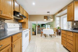 """Photo 11: 5749 189A Street in Surrey: Cloverdale BC House for sale in """"FAIRWAY ESTATES"""" (Cloverdale)  : MLS®# R2545304"""