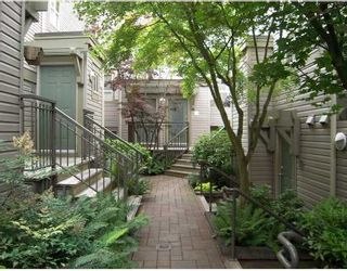 """Photo 1: 29 2375 W BROADWAY BB in Vancouver: Kitsilano Townhouse for sale in """"TALIESEN"""" (Vancouver West)  : MLS®# V725851"""