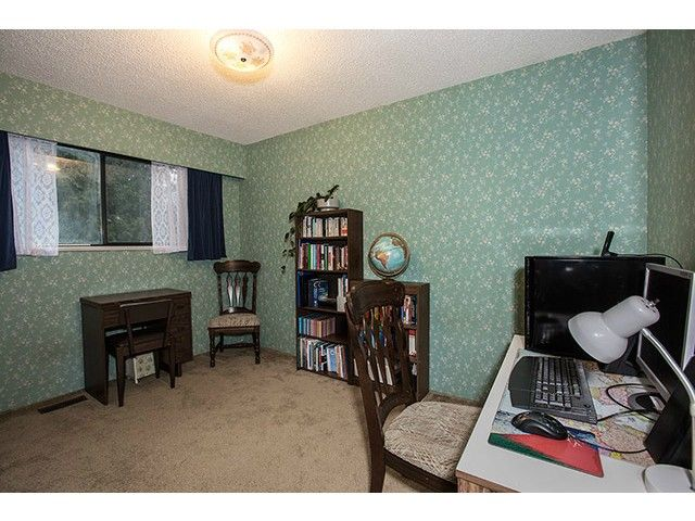 """Photo 13: Photos: 9725 155A Street in Surrey: Guildford House for sale in """"BRIARWOOD"""" (North Surrey)  : MLS®# F1430730"""