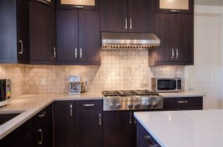 Photo 8: 3637 SW MARINE Drive in Vancouver: Southlands House for sale (Vancouver West)  : MLS®# R2345021