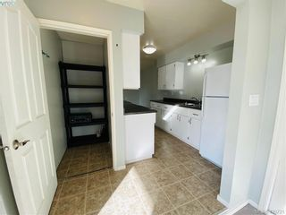 Photo 9: 784 Revilo Pl in VICTORIA: La Langford Proper Half Duplex for sale (Langford)  : MLS®# 832704