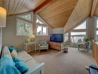 Photo 18: 481 CENTRAL Avenue in Gibsons: Gibsons & Area House for sale (Sunshine Coast)  : MLS®# R2491931