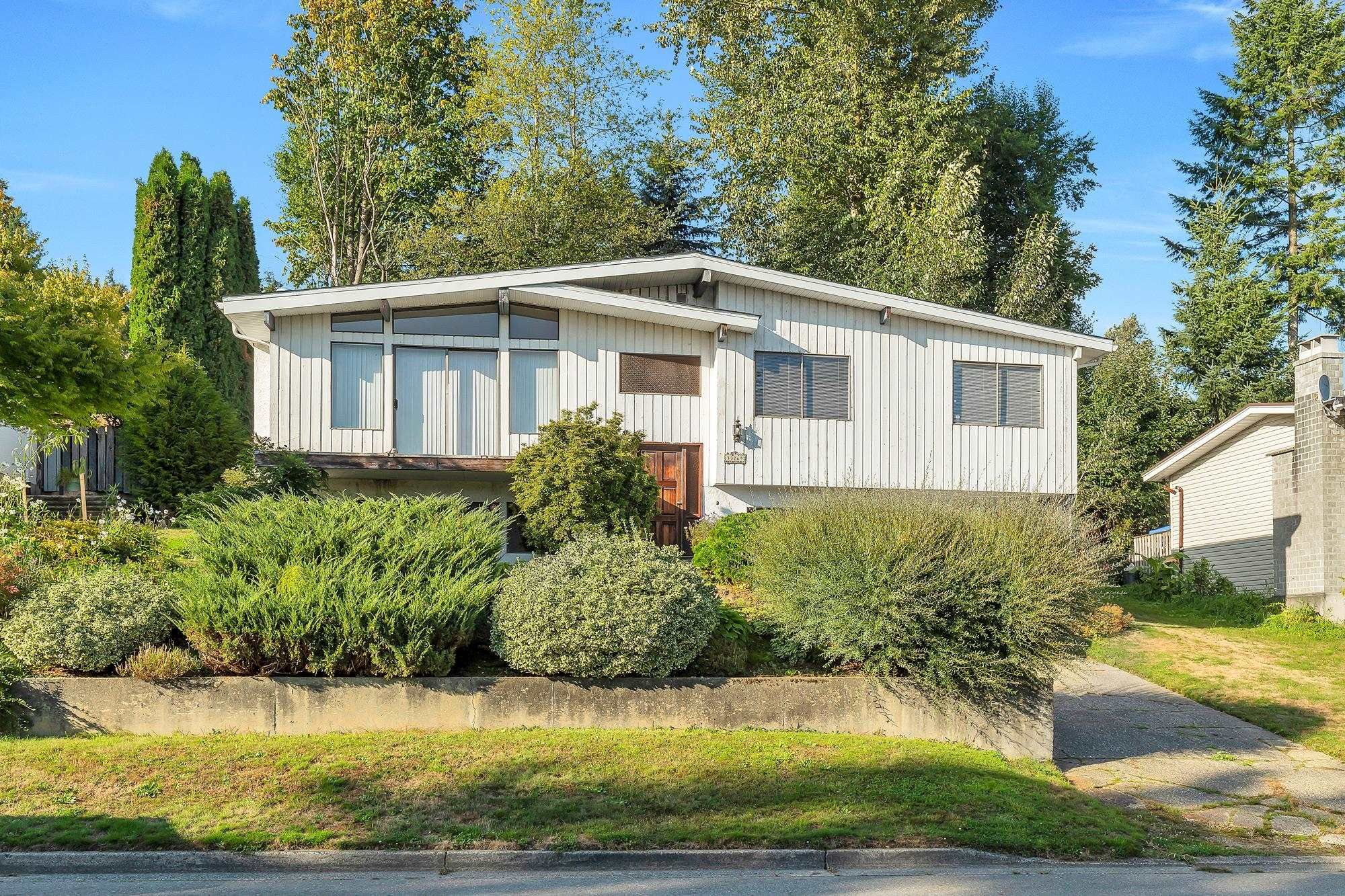 Main Photo: 33269 BEST Avenue in Mission: Mission BC House for sale : MLS®# R2617909