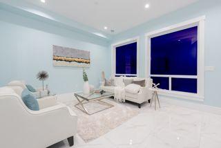 Photo 3: 906 ALDERSON Avenue in Coquitlam: Maillardville House for sale : MLS®# R2403911