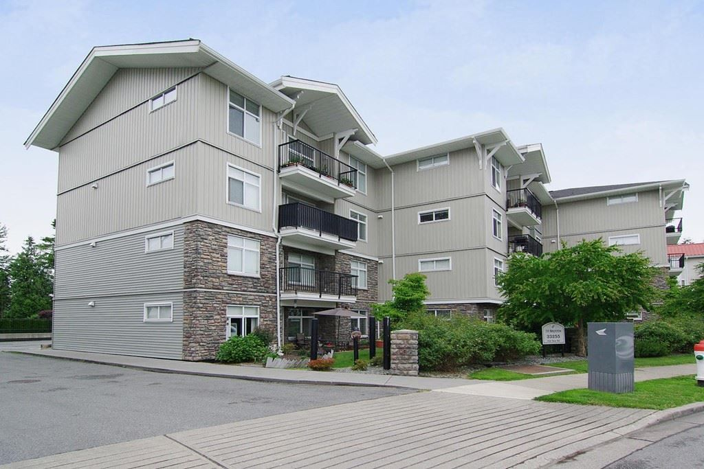"Main Photo: 402 33255 OLD YALE Road in Abbotsford: Central Abbotsford Condo for sale in ""The Brixton"" : MLS®# R2210628"