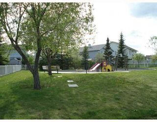 Photo 17: 137 SHAWBROOKE Green SW in CALGARY: Shawnessy Residential Detached Single Family for sale (Calgary)  : MLS®# C3381135