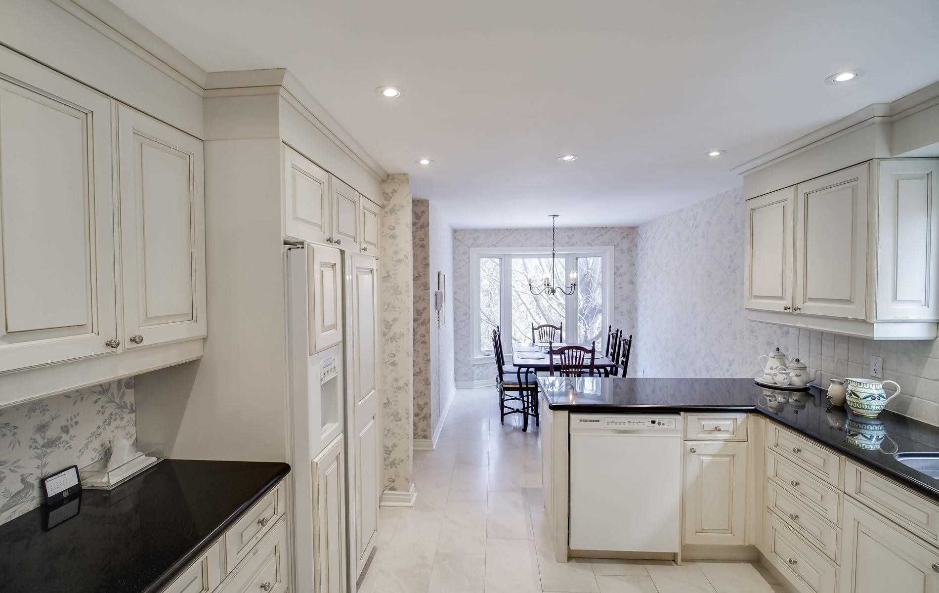 Photo 8: Photos: 498 Hidden Trail in Toronto: Westminster-Branson House (2-Storey) for sale (Toronto C07)  : MLS®# C4709173